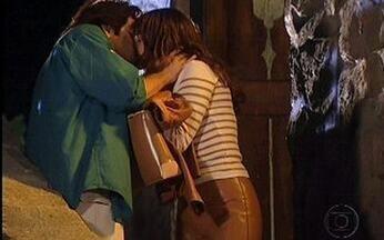 Maysa beija Lucas - Ex de Diogo surpreende Lucas após jantar.