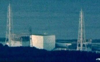Japão consegue religar energia em usina nuclear de Fukushima - Na corrida contra o tempo, as equipes concentram os trabalhos em duas frentes. Na primeira, os técnicos conseguiram conectar um cabo de força à usina. Mas ainda não se sabe se as bombas para jogar água fria nos reatores estão funcionando.