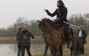 Vídeo Show mostra os bastidores da gravação de Cordel Encantado - Confira como foram feitas as cenas com cavalos