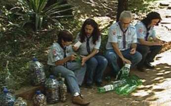 Menino de 11 anos dá bom exemplo recolhendo lixo tóxico - Prêmio Bom Exemplo incentiva ações voluntárias que contribuem com a sociedade