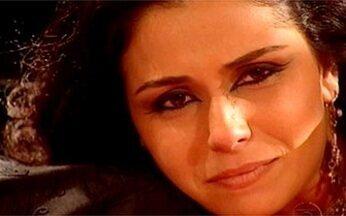 Jade chora no colo de Zoraide - Zoraide consola Jade e diz que não se pode confiar no amor. Jade lamenta briga com Lucas e promete que ele vai pagar por tudo o que está fazendo a ela.