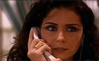 Jade liga para Saíd - Jade diz para Saíd que está voltando para o Marrocos e quer se despedir de Khadija. Ela implora para que Saíd não negue isso a ela.