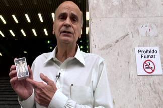 Drauzio Varella convoca fumantes para que deixem o vício - Em novembro, começa a série Brasil Sem Cigarro, que mostrará três fumantes que enfrentarão o desafio de parar de fumar. Um deles será escolhido através de vídeos enviados para o Fantástico.