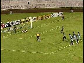 Arapongas está na cola dos líderes - O time de Darío Pereira não se intimida na casa do adversário