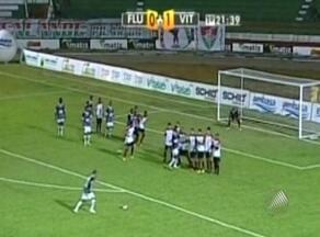 Vitória empata a segunda seguida e cai na tabela do Baianão - O rubro-negro ficou no 1x1 com o Fluminense de Feira e saiu de segundo para quarto lugar na tabela.