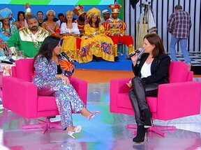 Carolina Ferraz participa de bate-papo com Regina - Regina faz perguntas sobre a vida de Carolina e sua história