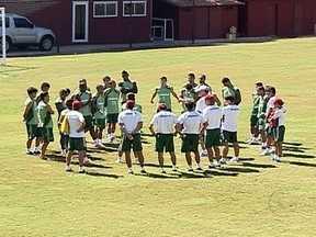 Abel Braga escala time misto para clássico contra Flamengo - Técnico abre mão da força máxima para seguir planejamento para Libertadores.