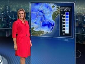 Semana deve começar com chuvas em boa parte do Brasil - O domingo (18) amanhece com 15ºC em Curitiba e 16ºC em São Paulo. À tarde os termômetros não passam dos 25 graus. A próxima semana deve começar chuvosa em Goiás, em parte de Minas, no norte do Rio de Janeiro, no Espírito Santo e no sul da Bahia.