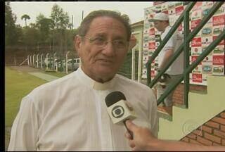 Ex-jogador da Caldense, padre Pedro é torcedor do Cruzeiro e está de coração dividido - Os dois times se enfrentam neste domingo, às 18h30m (de Brasília), em Poços de Caldas.