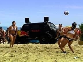 Praia de Ipanema, no Rio de Janeiro, recebe Campeonato Feminino de Altinha - Moda entre os cariocas, esporte também é praticado pelas mulheres, que dão um show nas areias.