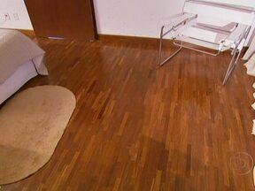 Veja como deixar sua casa mais moderna e aconchegante - Se você pretende mudar o estilo dos ambientes, comece pelo revestimento dos pisos. Os pisos diferentes ajudam a delimitar os cômodos. O piso frio é indicado para cozinhas e banheiros. O porcelanato é uma tendência e se apresenta de diferentes formas.