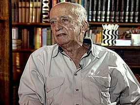 Millôr Fernandes morre no Rio - Millôr Fernandes morreu em casa, de falência múltipla de órgãos. Com vários talentos, ele trabalhou como jornalista, desenhista, humorista e dramaturgo. A morte foi lamentada pelos colegas.