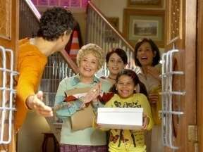 Louco por Elas – Episódio do dia 03/04/2012, na íntegra - Mãe de Léo acha que vai morrer em breve e decide voltar para ficar ao lado de sua família