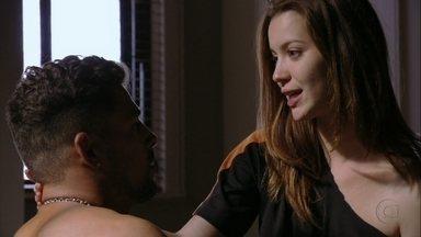 Débora diz a Jorginho que quer conhecer Lucinda - O jogador de futebol diz que nunca levou ninguém para conhecer a mãe adotiva