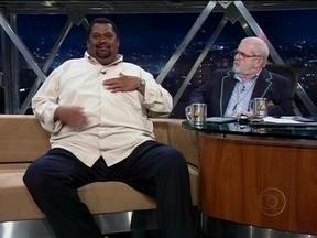 Conheça o radialista Ricardo Luiz, o 'Moby' - Ele tem 2,05m de altura e pesa 160 kg. Ele faz shows contando 'somente histórias verdadeiras´ocorridas na região das cidades de Três Corações e São Lourenço, ambas em Minas Gerais