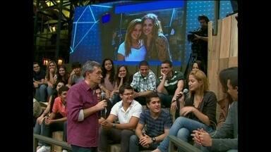 Fabiane Marcial participa ao vivo do 15 Segundos de Fama - Serginho Groisman apresenta foto de telespectadores com celebridades