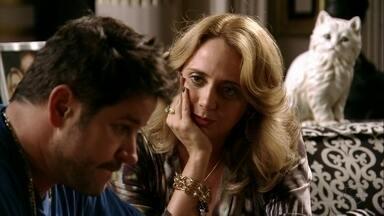 Ivana tranquiliza Tufão - Ágata se culpa pelo sequestro de Carminha e Tufão se preocupa com os filhos