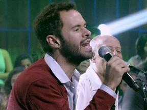 'Alguém na Multidão' – Marcelo Jeneci e Golden Boys - Marcelo Jeneci e Golden Boys cantam 'Alguém na Multidão'
