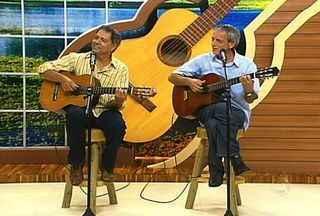 Primos Gilson e Celito Espíndola cantam suas composições - Primos Gilson e Celito Espíndola cantam suas composições