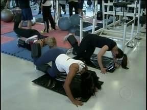 Projeto verão 2013: professor dá dicas de exercícios para aumentar o bumbum - Fique em forma para o verão 2013