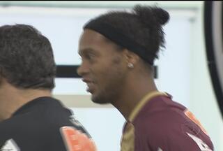 Jogo entre Grêmio e Atlético-MG promete ser tenso - Torcida gremista promete vaiar Ronaldinho Gaúcho, já que o meia, na volta para o Brasil, optou por não defender o time que o revelou.