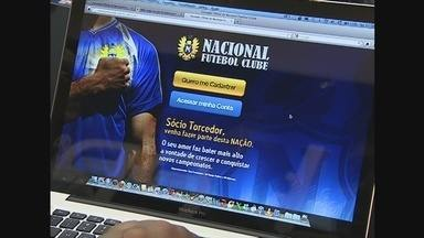 Nacional lança cartão sócio-torcedor - Veja a reportagem do Globo Esporte do lançamento do cartão sócio-torcedor do Nacional.