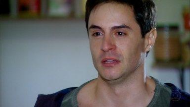 Cheias de Charme - Capítulo de quarta-feira, dia 27/06/2012, na íntegra - Inácio conta para Rosário que a viu beijando Fabian