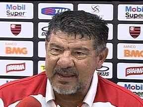 Joel Santana diz que não vai pedir demissão do Flamengo - Técnico exalta resultados durante a carreira para sustentar decisão de permanecer no Rubro-Negro.