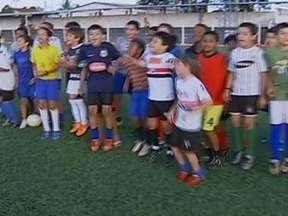 Palestina, no interior de São Paulo, celebra fama de Romarinho - Na cidade natal do craque só se fala do gol marcado na Bombonera.