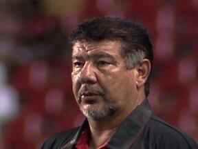 Flamengo vence no sufoco e Joel Santana ganha sobrevida - Um resultado diferente da vitória, poderia acarretar em demissão do treinador.