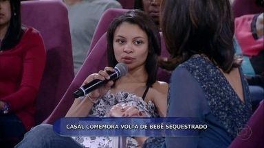 Pais de bebê sequestrado em Saquarema falam da angústia que passaram - Gabriela e Rodrigo contam como aconteceu a ação dos seqüestradores