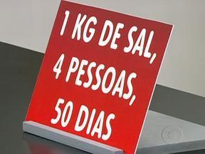 Pacote de sal deve durar 50 dias numa casa com quatro pessoas - Para crianças, os níveis de pressão considerados normais são mais baixos do que para adultos. O estresse também pode aumentar a pressão sanguínea já que os vasos se contraem.