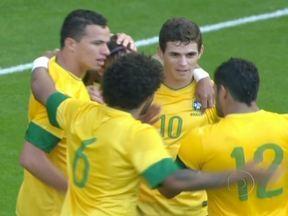 Seleção olímpica de futebol do Brasil derrota a Grã-Bretanha em amistoso - Na Inglaterra, a seleção olímpica brasileira venceu a Grã-Bretanha por 2 a 0. Os gols foram marcados por Sandro, de cabeça, e Neymar, de pênalti. Na Série B do Brasileirão, o vice-líder América-MG empatou em 1 a 1 com o Guarani.