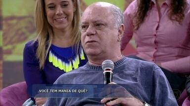 Tonico Pereira usa cueca vermelha sempre que vai se apresentar no teatro - Ator faz questão de levar as cuecas para o elenco ver que ele não está repetindo