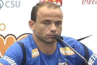 Experiente, Léo fala do mau momento do Santos no Campeonato Brasileiro - Jogador garante que só aparece nos momentos ruins do time.