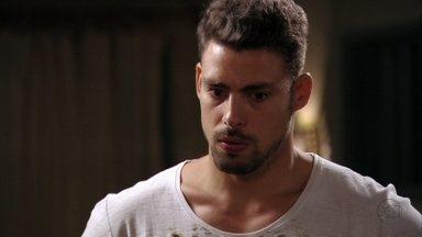 Jorginho se lembra dos conflitos com Nina - O jogador deixa a família preocupada durante uma brincadeira