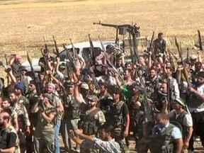 Guerra civil se intensifica na Síria e aumenta relatos de atrocidades - Renato Machado afirmou que, há tempos, as agências de informações dos EUA e aliados estão enviando armas para os rebeldes na Síria. O conflito está criando um problema para a comunidade internacional: os refugiados para além das fronteiras.