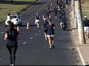 Atletas se reúnem em Uberlândia para corrida de rua - No circuito de dez quilômetros o campeão entre os homens foi Flávio de Oliveira Silva