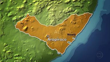 Polícia prende restante de quadrilha que assaltou caixa eletrônico em Jupi, no Agreste - Cinco suspeitos de envolvimento com o crime foram presos na cidade alagoana de Arapiraca. A tentativa de assalto aconteceu na última quarta-feira (1º).
