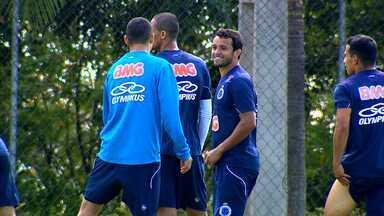 Charles deve perder a posição de titular no jogo do Cruzeiro contra o Santos - Jogo será nesta quarta-feira, em Santos.