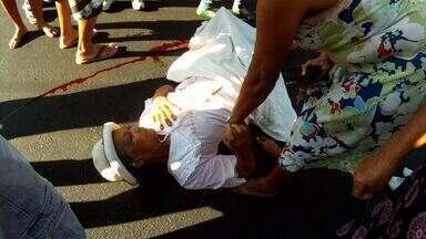 Aposentada é atropelada no Bairro São João do Tauape, em Fortaleza - Maria Angélica de Lima, de 88 anos, foi atropelada por uma moto.