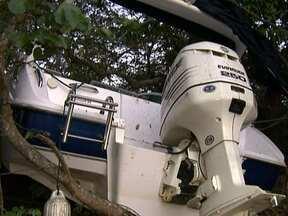 Laudo da Marinha diz que houve falha humana no acidente de barco no Lago Paranoá - A Marinha está investigando o motivo que levou a embarcação bater em um barranco e parar na mata. De acordo com o laudo preliminar, houve falha humana no acidente.