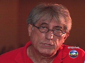 Morre músico do grupo MPB4 em São Paulo - O cantor e compositor Antônio José Waghabi Filho, o Magro, do grupo MPB4, tinha 68 anos e há dez combatia um câncer. Com Miltinho, Ruy e Aquiles, Magro formou o quarteto nos anos 60.