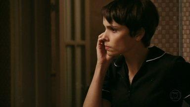 Max telefona para Nina - Ele avisa que está indo para a mansão
