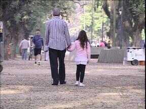 Reportagem conta três histórias de relação entre pais e filhos - Importância do pai nem sempre ganha a importância que merece.