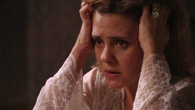 Carminha se desespera com descoberta de Jorginho - A megera culpa Nina pela situação, mas Max garante que não foi a cozinheira quem revelou a verdade para o jogador