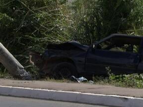 Homem atropela três pessoas da mesma família no Núcleo Bandeirante (DF) - Um homem atropelou três pessoas da mesma família, no Núcleo Bandeirante. Segundo a Polícia Militar, ele dirigia um carro roubado, em Taguatinga, no início da semana. E apresentava sinais de embriaguez.