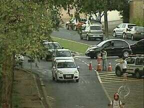 Pista da Avenida Castelo Branco é liberada, depois de dois meses - Trabalho de recuperação da ponte sobre o Lago Igapó, em Londrina, terminou no fim da tarde de ontem.