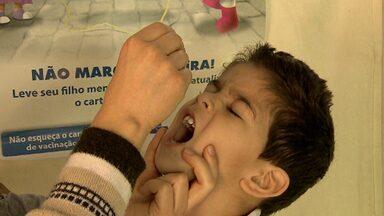 Campanha nacional de atualização da caderneta de vacinação começa neste sábado - Postos de saúde ficam abertos até as 17h.