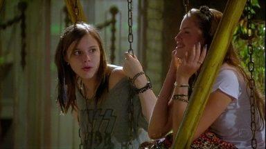 Fátima relembra cena de Dinho e Lia em Malhação - Na trama, Lia se apaixona pelo mesmo menino que a amiga Ju